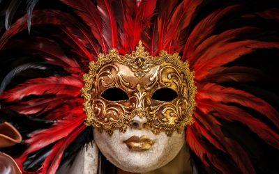Die Masken fallen eine nach der anderen